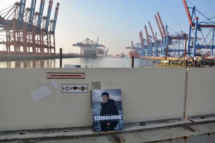 Sturmwarnung im Hamburger Hafen (Foto: Ankerherz)
