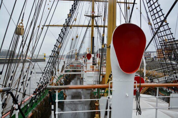 An Deck von Schulschiff Deutschland. Foto: Ankerherz